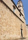 semesterort för croatia franciscan makarskakloster Arkivfoton