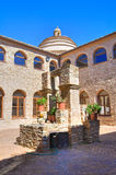 semesterort för croatia franciscan makarskakloster Rocca Imperiale Calabria italy arkivfoto
