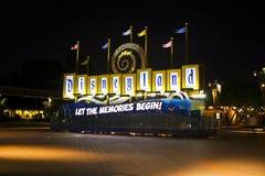 semesterort för disneyland ingångsplaza royaltyfria foton