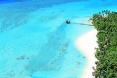 Semesterort på den Maldiverna ön Arkivfoton