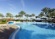 Semesterort på simbassängen i färgrika Egypten Arkivfoton