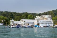 Semesterort Portschach, Worthersee, Österrike för hotell för Werzer ` s Arkivbilder