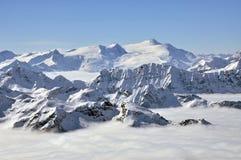 semesterorten för det Österrike kitzsteinhornmaximumet skidar siktsvinter Arkivbilder