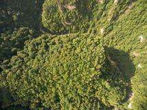 semesterorten för panoramat för caucasus dombajberg skidar sikt ovanför sikt Royaltyfri Foto