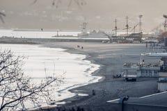 Semesterortstad på Black Sea i vinter Arkivfoto