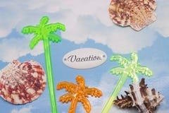 Semesterskrift med cocktailpinnar Royaltyfria Bilder