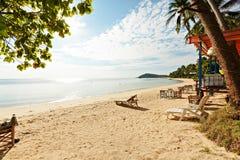 Semestersommar semestrar bakgrundstapeten - soligt tropiskt exotiskt arkivbild