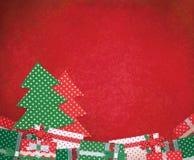 Semestra bakgrund med julgranen och gåvor, handgjorda Chris royaltyfria foton