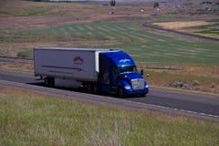 Semi-camión central/rápido del ` del transporte del ` fotografía de archivo libre de regalías