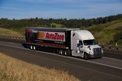 Semi-camión de Autozone imagen de archivo libre de regalías