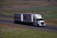 Semi-camión del hardware de Ace fotos de archivo libres de regalías