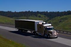 Semi-camión extendido del durmiente imagen de archivo libre de regalías