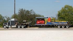 Semi caminhão com frete fotos de stock