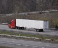 Semi camion de remorque d'entraîneur photos stock
