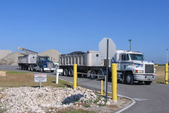 Semi camions Photographie stock libre de droits