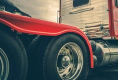 Semi ciężarówek opony obrazy stock