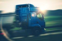 Semi Ciężarowy transport zdjęcie royalty free