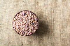 Semi delle arachidi in piatto Immagine Stock
