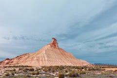 Semi-desert Bardenas Reales, berg Tres Hermanos, Natuurlijk Pari Royalty-vrije Stock Foto's
