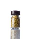 Semi di cumino del barattolo su fondo bianco Fotografia Stock