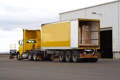 Semi vrachtwagen royalty-vrije stock foto's