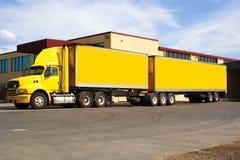 Semi vrachtwagen Stock Foto
