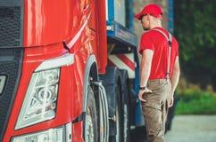 Semi Vrachtwagenvervoer royalty-vrije stock afbeeldingen