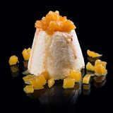 Semifreddo домашнего мороженого С блоками ананаса стоковое фото rf