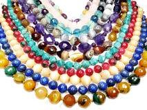Semigem-Halskette mit hellem Kristallschmuck Stockbilder