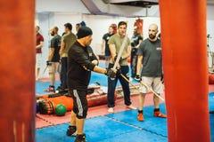 Seminar Belgrad Guro Roger Agbulos Lameco Astig Combative FMA stockbilder