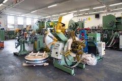 Seminarium - metall som bildar press Arkivbild