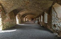 Seminterrato del castello rovinato in Polonia Fotografie Stock