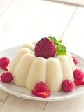 Semolina με τα φρούτα Στοκ Εικόνες
