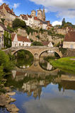 Semur-en-Auxois en Bourgogne France Photo stock