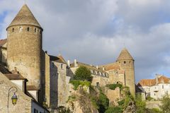 Semur-Engels-Auxois Bourgogne Frankrijk Stock Fotografie