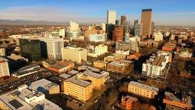 Sen eftermiddag Denver Colorado Downtown Skyline Highway stock video