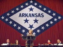 sen Hillary Clinton (D-NY), fru av den tidigare U S Tidigare presidenten Bill Clinton, talar på vaggar lite, att hedra för AK-for Arkivfoton