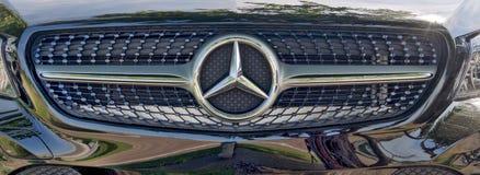 Sen modell Mercedes Benz Emblem Up-Close arkivfoto