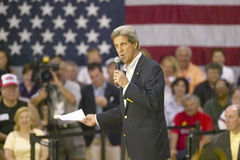 Senador John Kerry que se dirige a la audiencia de mayores en el centro del Rec de la opinión del valle, Henderson, nanovoltio Fotografía de archivo