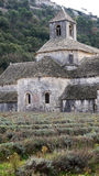 Senanque-Abtei nahe Gordes, Frankreich lizenzfreie stockfotografie
