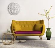 Senapsgult soffa i ny inre vardagsrum Fotografering för Bildbyråer