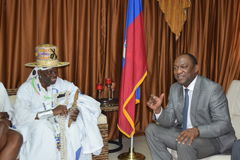 SENATE RECONTRE. NYouri LATOURTUE President of the senate of the republic and the National Assembly meets  26-4-2017 at the diplomatic hall of the senate its Stock Photos