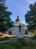 Senatorn Strom Thurman Statue framme av den södra Carolina State House arkivfoto