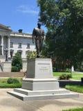 Senatorn Strom Thurman Statue framme av den södra Carolina State House arkivfoton