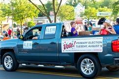 Senats-Bezirks-Kandidaten an der Parade Lizenzfreies Stockfoto