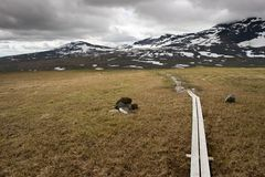Senda para peatones de Kungsleden imagen de archivo libre de regalías