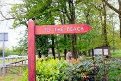 Senda para peatones a la playa Foto de archivo libre de regalías