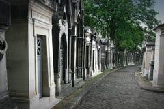 Senda para peatones y tumbas Fotografía de archivo libre de regalías