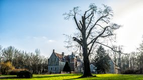 Senden, Coesfeld, Musterland dezembro de 2017 - Watercastle Wasserschloss Schloss Senden durante o dia ensolarado no inverno Imagens de Stock Royalty Free