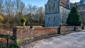 Senden, Coesfeld, Musterland en décembre 2017 - Watercastle Wasserschloss Schloss Senden pendant le jour ensoleillé en hiver Image libre de droits